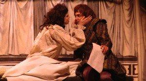 Roméo et Juliette, la version interdit d'après Shakespeare - Ecrit et mis en scène par Hubert Benhamdine au Point Virgule par Mary Landi dans Spectacles scquence-11.jpg-300x168