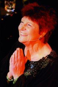 Anne Sylvestre, rencontre en coulisses par Irène Sadowska-Guillon dans Concerts a.sylvestre-199x300