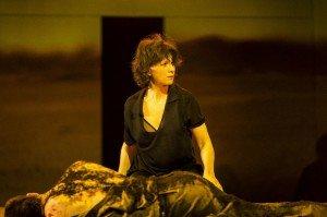 Antigone de Sophocle - Mise en scène de Ivo van Hove avec Juliette Binoche au Théâtre de la Ville par Marie-Laure Atinault dans Spectacles 751582-juliette-binoche-antigone-300x199