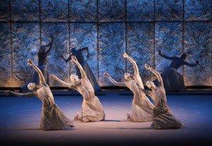 Meguri de Sankai Juku au Théâtre de la Ville par Angélique Lagarde  dans Spectacles vii_img_2584trim-300x206